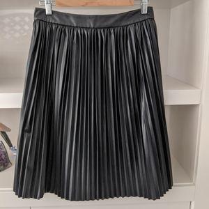Banana Republic vegan leather pleated skirt - 4